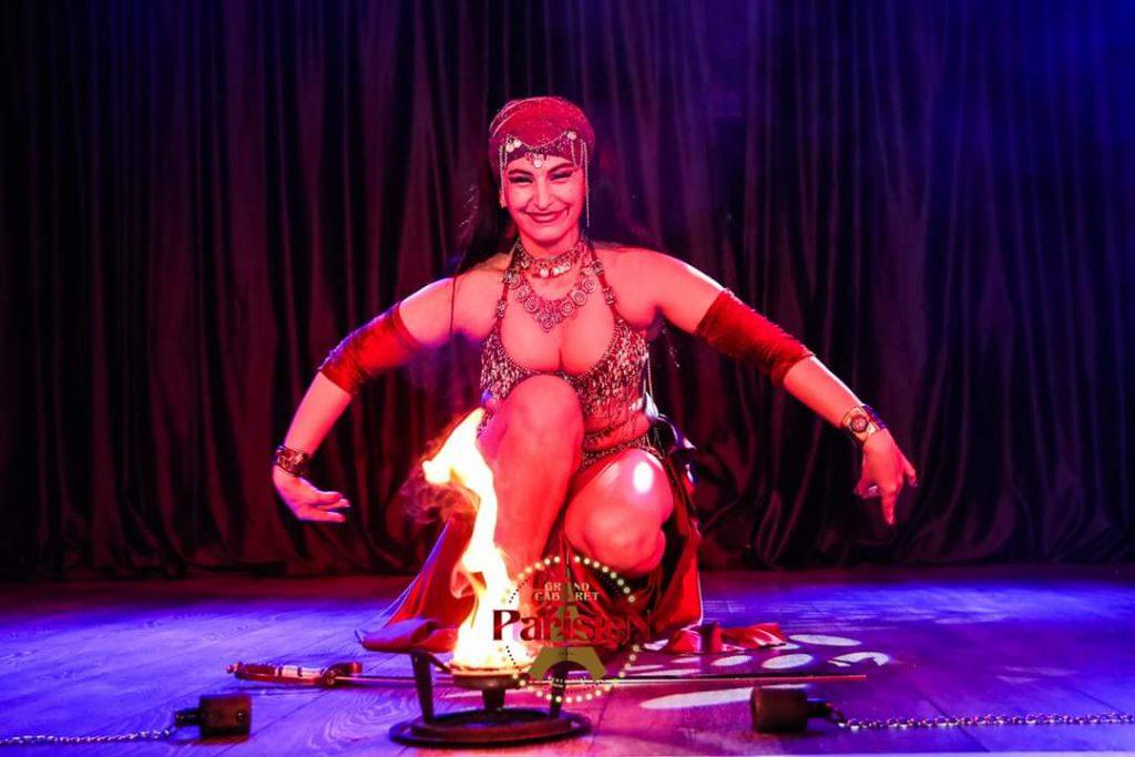 Actuación de sable y fuego